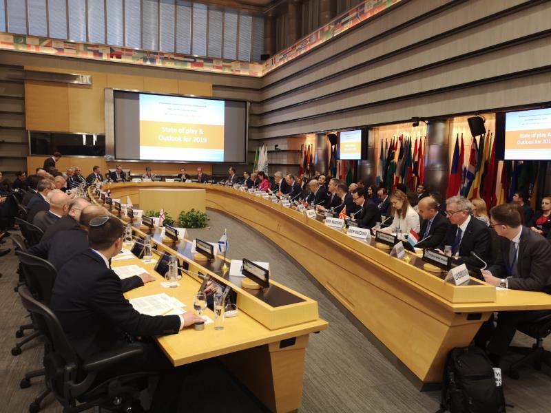 Meetings in Washington: Adequate Monetary Policy, the